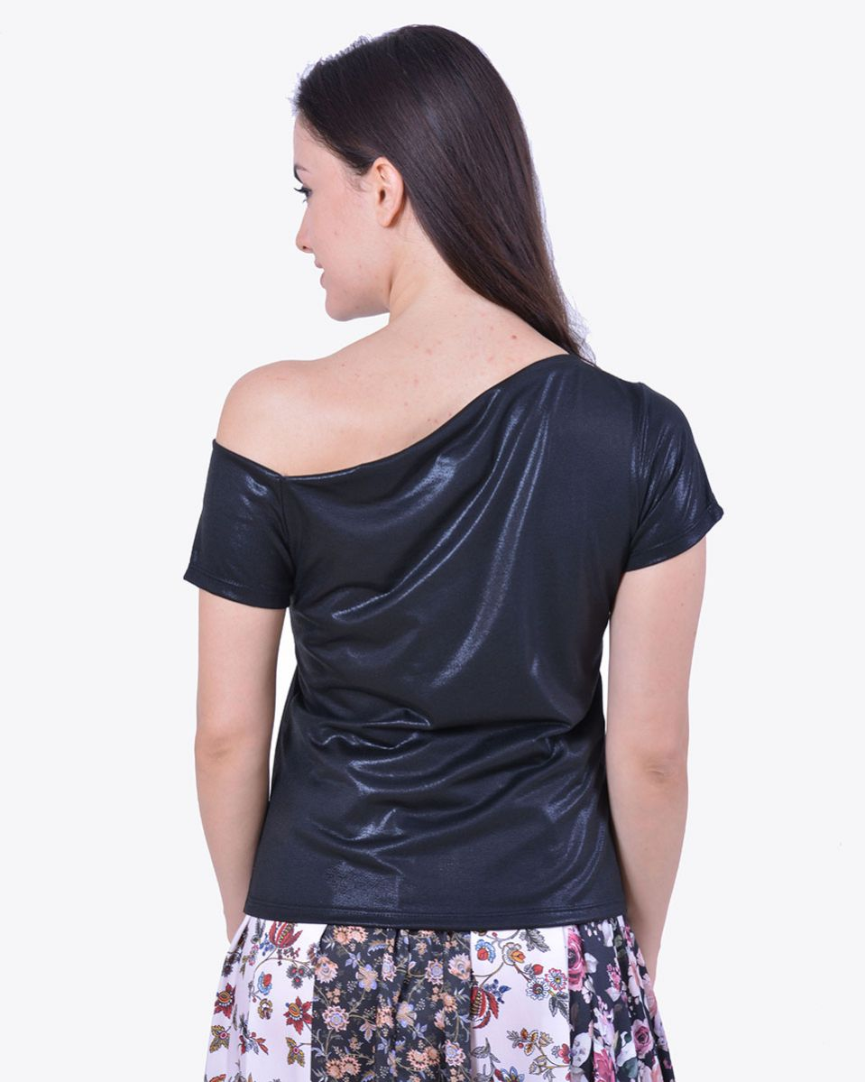 T-shirt asimmetrica laminata